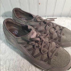 Skechers Womens Memory Foam Sneakers 11.